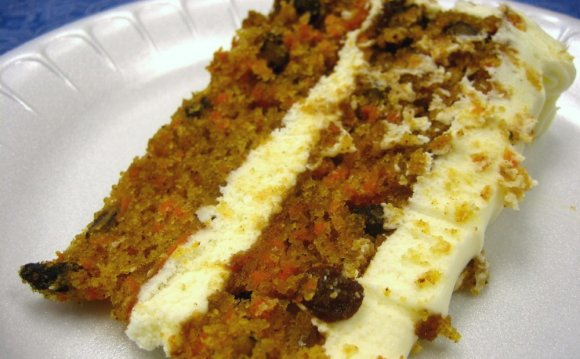 Awesome Carrot Cake with Cream