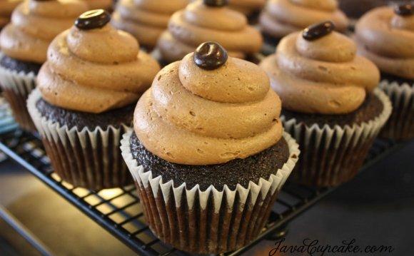 Coffee & Caramel Cupcake Round