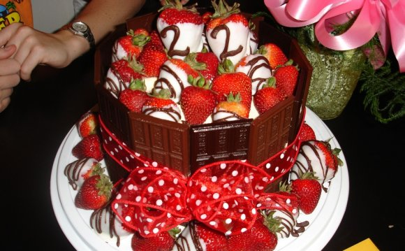 Image of: Fruit Birthday Cake