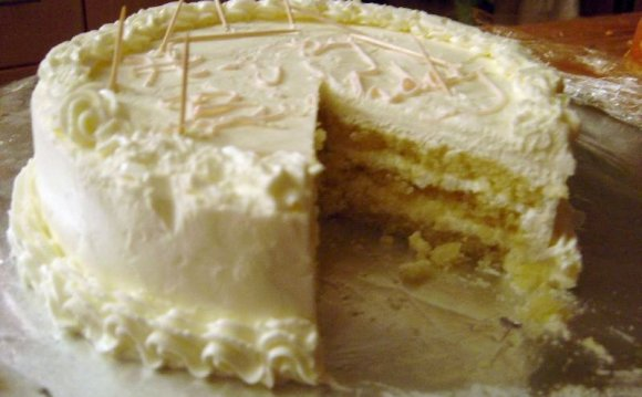 Genoise cake with buttercream