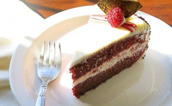 Red Velvet Cake - Cake Boss