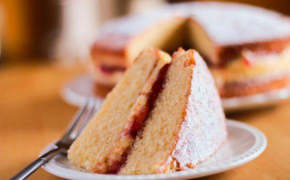 Victoria Sponge Cake - Erren s