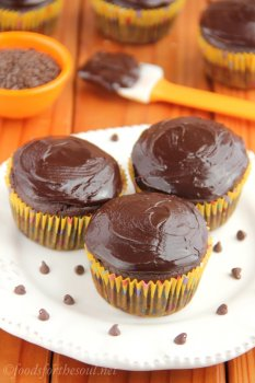 a simple, no-mixer-required dish for skinny chocolate brown cupcakes. They taste so decadent - you can't tell they truly are lightened up after all!