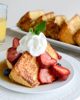 Angel Food French Toast we howsweeteats.com
