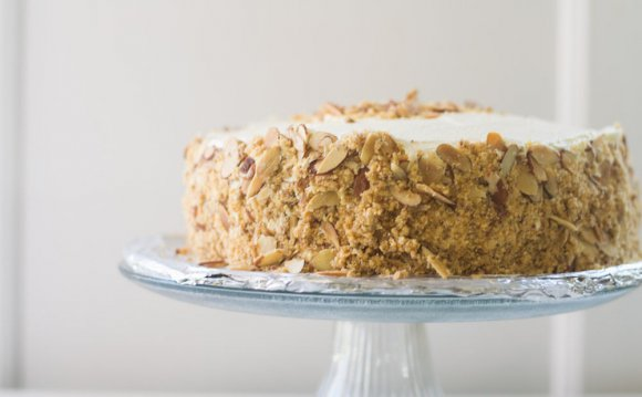 Toasted Almond Cream Cake recipe