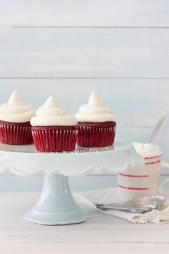 Classic Red Velvet Cupcakes - the only red velvet recipe you need!| brighteyedbaker.com