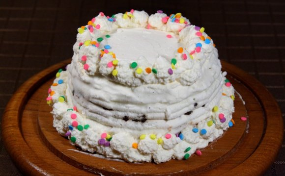 Homemade Ice Cream Cake recipe