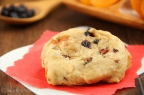 Fruitcake Cookies -- a healthy perspective on vacation classic. Smooth, dense & so addictive!
