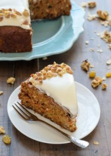 Drain Carrot Cake. An excellent carrot dessert dish which is therefore damp. Well known!