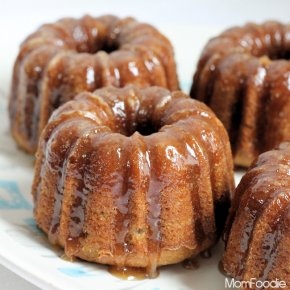 mini bundt - banana cakes