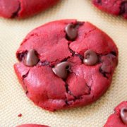 Red Velvet Chocolate Chip Cookies from scrape. Effortless recipe at sallysbakingaddiction.com