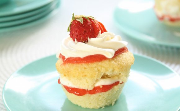 Strawberry Shortcake sponge cake recipe