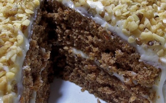 Carrot Cake recipe with pineapple and raisins